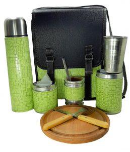Set matero camping verde claro con tabla cubiertos y vaso para mayor