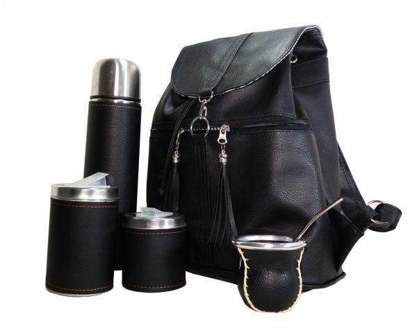 Mochila negra matera con set completo para mate colección Aylen