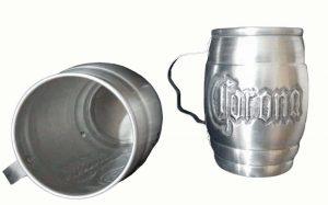 Chopera de aluminio cincelada a mano con figura de Corona
