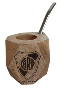 Mate de madera con grabado a láser de River Plate
