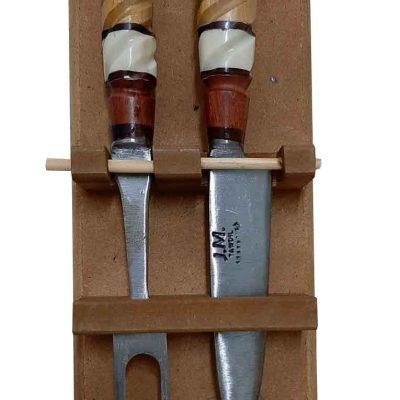 Set de asado con soporte de pared