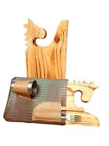 Set de asado tabla caballo con estuche marrón
