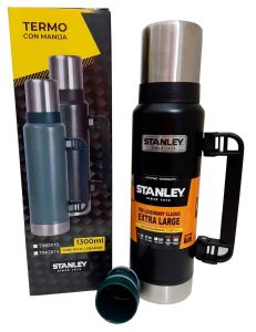 Termo Stanley color negro 1.3 litros